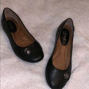 Black Woman's Flats